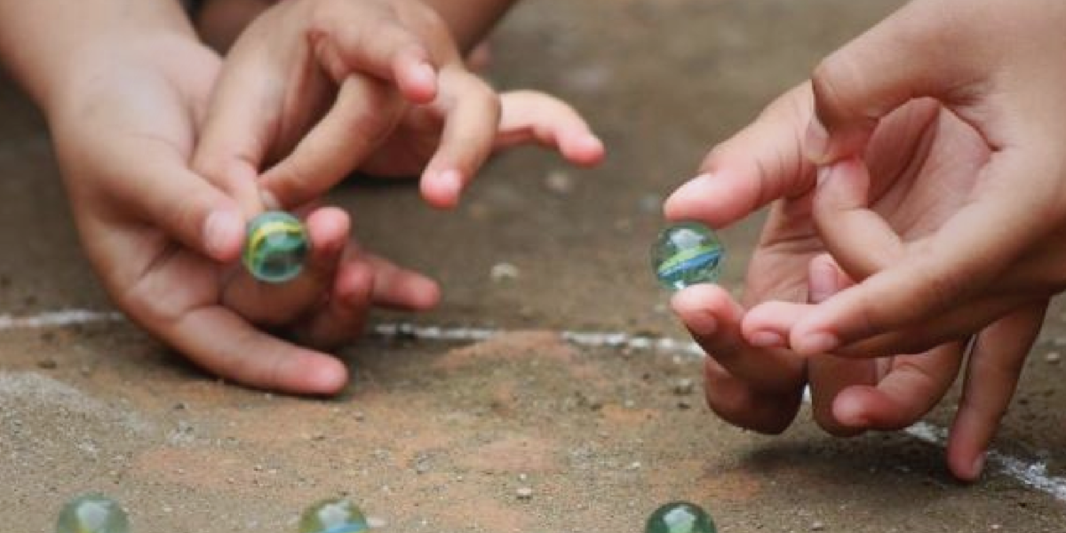 Play with marbles Indigenous games